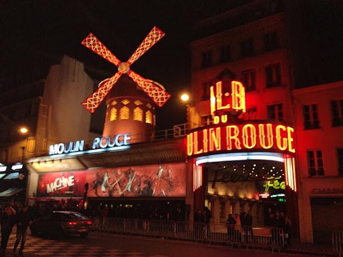 Balada La Machine du Moulin Rouge em Paris