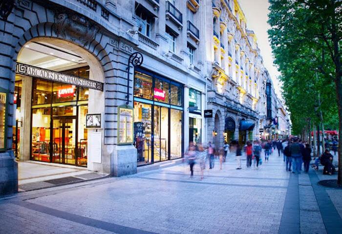 Fazer compras em Paris - Champs Elysees