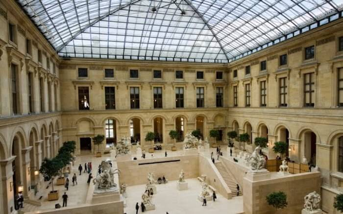 Interior Museu do Louvre