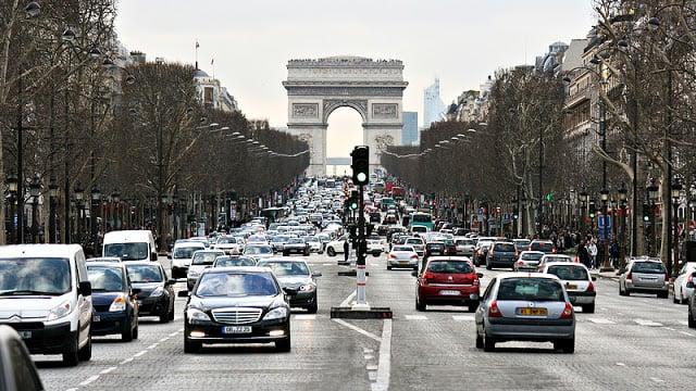 Trânsito em Paris