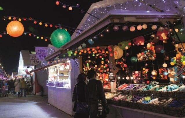 Mercado de Natal na Champs Élysées