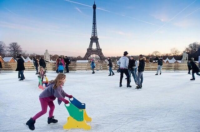 Pistas de patinação no inverno com as crianças