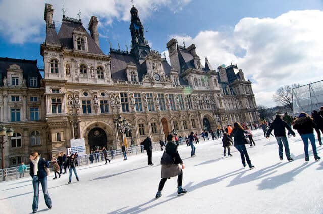 Pista de patinação no gelo em Paris