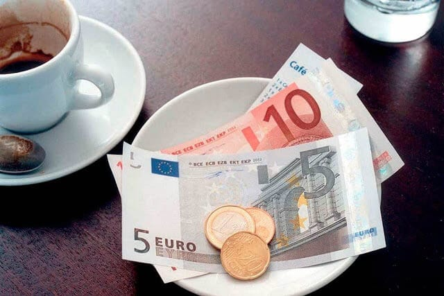 Conta e Gorjeta nos restaurantes em Paris