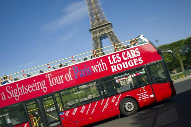 Les Cars Rouge incluso no Paris Pass