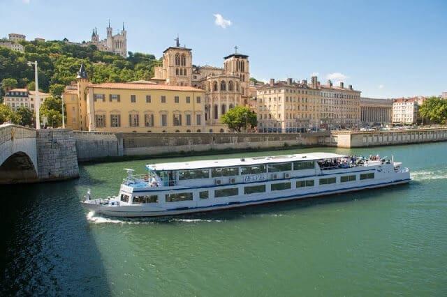 Cruzeiro no rio Saône
