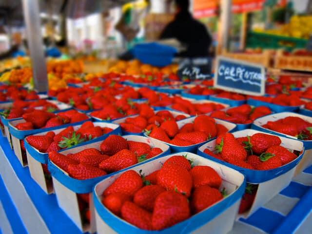 Frutas no Mercado do bairro Croix Rousse em Lyon