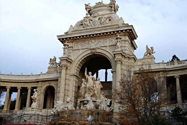 Fachada do Palácio Longchamp em Marselha