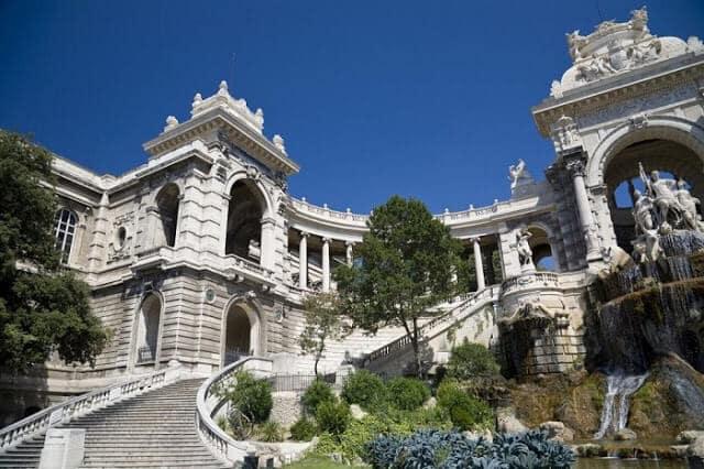 Lateral do Palácio Longchamp em Marselha
