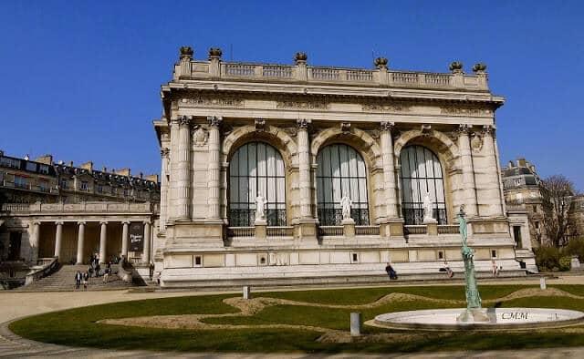 Fachada do Museu da Moda em Paris