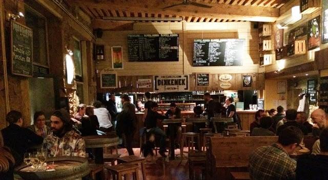 Bar Dikkenek Café em Lyon
