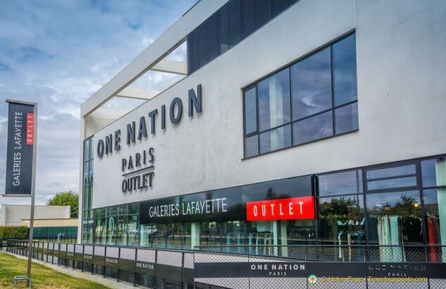 Exterior do Outlet One Nation em Paris