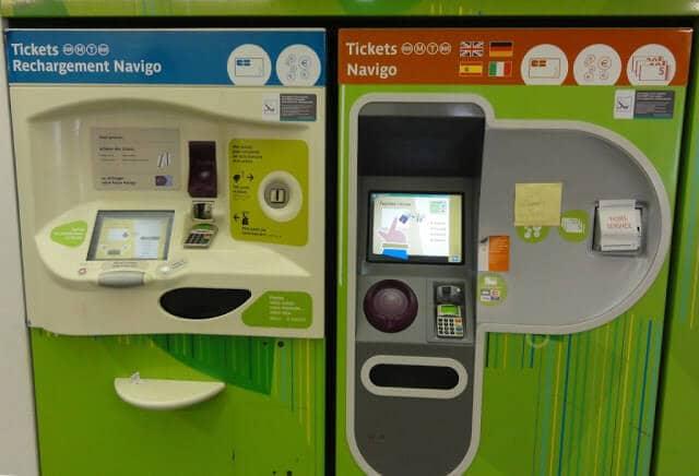 Máquina de bilhetes de metrô em Paris