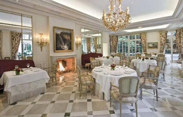 10 restaurantes na Champs-Élysées em Paris