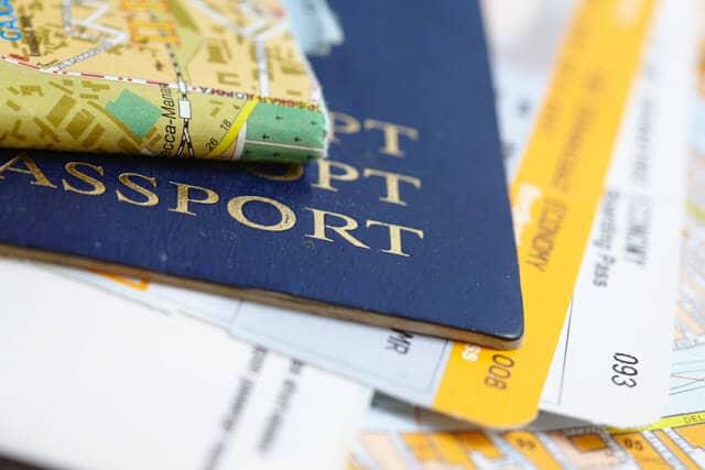 Passaporte e mapas