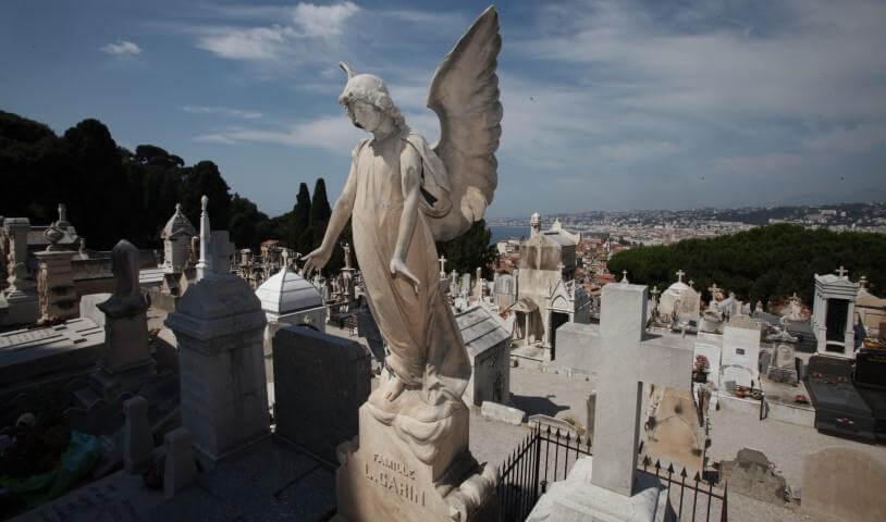 Estátuas do Cemitério Judaico em Nice