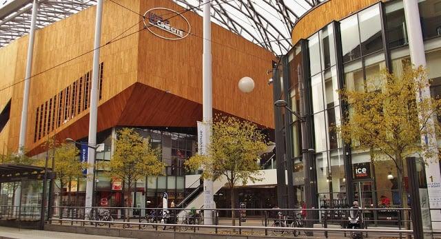Confluence Shopping em Lyon