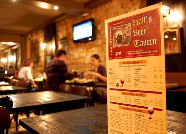 Cervejaria Hall's Beer Tavern em Les Halles em Paris