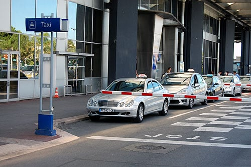 Táxi do aeroporto de Nice até Cannes
