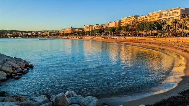 Praia em Cannes